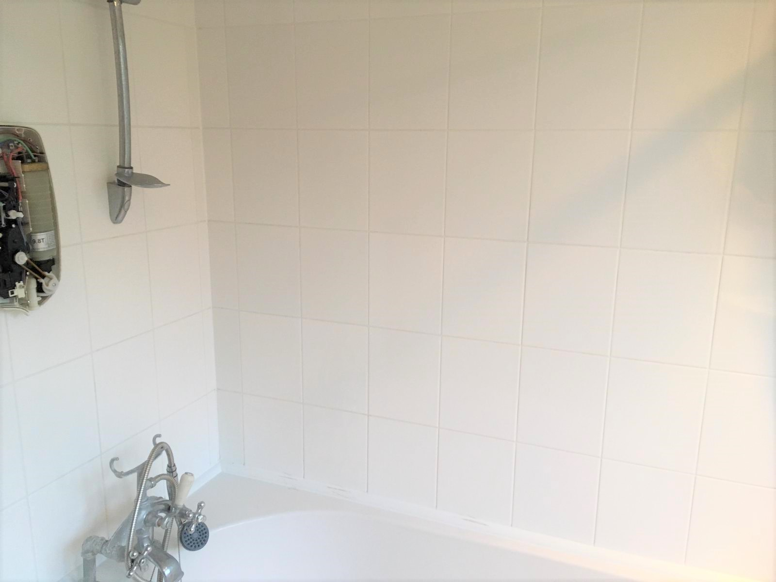 Ceramic Tiled Shower Bath Tiles After Cleaning Bow